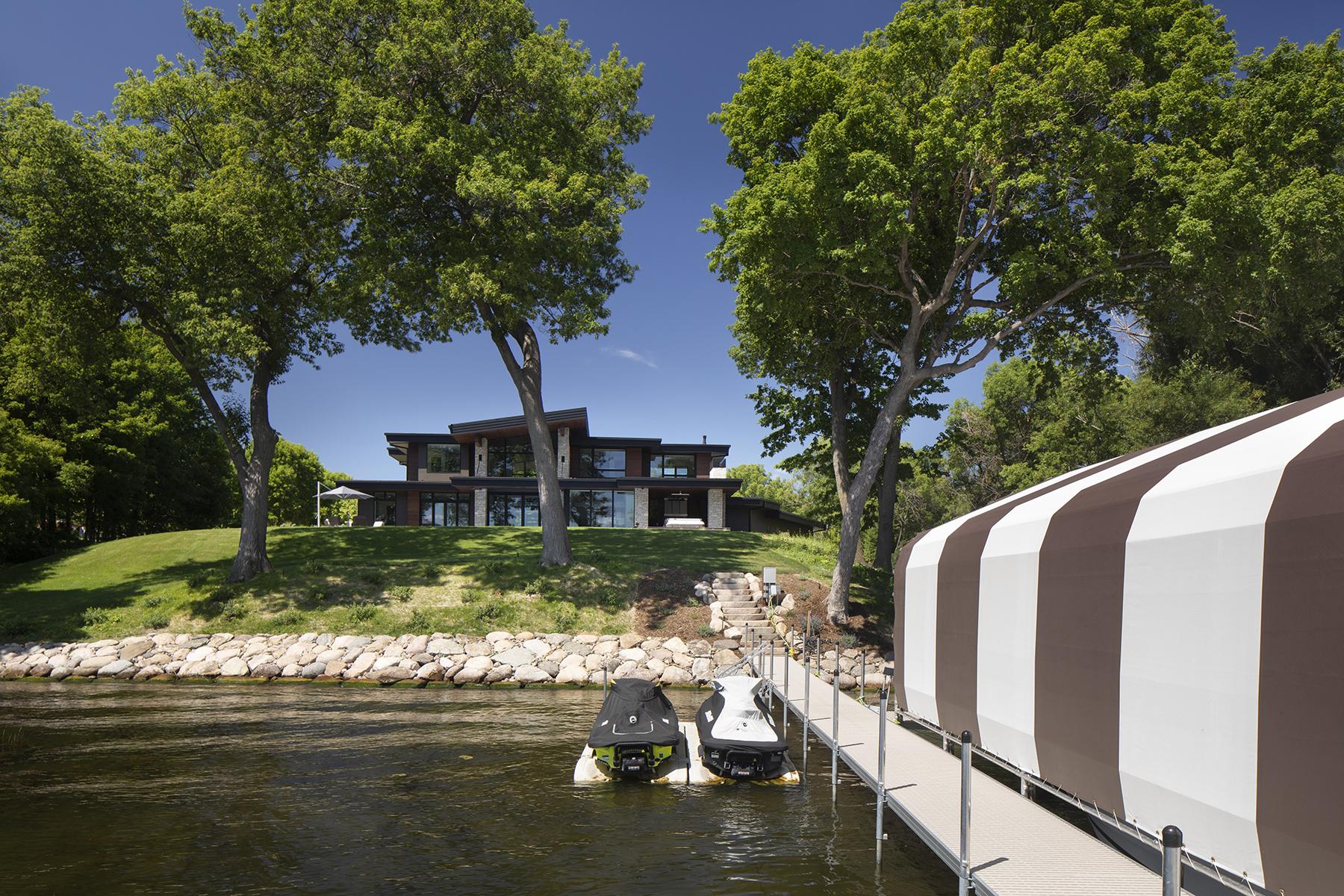 Custom Lake Minnetonka Home by Nor-Son